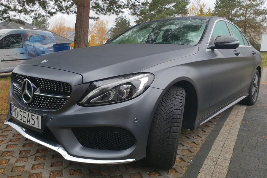 Zmiana koloru auta Mercedes
